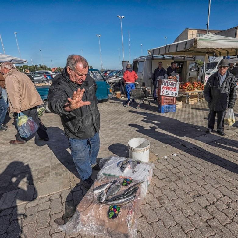 / Поход по магазинам на уличном рынке Ортиджии